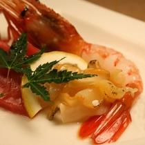 料理一例 中とろ平造り牡丹海老日高産真螺
