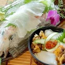 *【烏賊会席一例】新鮮さが一目でわかる!イカの姿造りとイカ、炙りうに海鮮丼が好評です♪