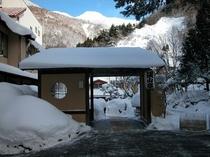 《冬》玄関先/除雪はしっかりしております。