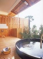 露天風呂客室(一例)