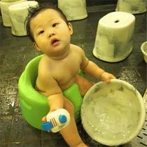 赤ちゃんとの入浴に便利なバンボチェア