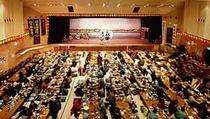 500名収容のレストランシアター