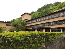 ◆桜館外観(夏)