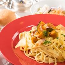 レストラン【フェスティーボ】には、アラカルトメニューも充実!