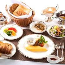 洋風朝食の一例。ボリューム満点の朝食でパワーチャージ!