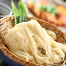 ■オリジナル麺料理『おざんざ』をご賞味頂けます。