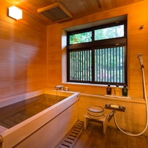 ■【五竜】檜の香りが心地よい客室のお風呂