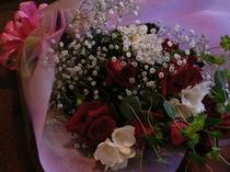 アニバーサリーを素敵な花束で