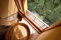渓流沿い 檜樽露天風呂付客室 磐梯の間