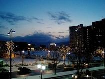 駅西口の夕方・・・