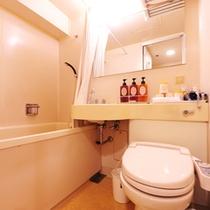 ユニットバス。トイレは全室、ウォシュレット完備です