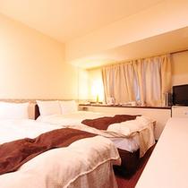 スタジオツインルーム(広さ18㎡、ベッド幅125cm+100cm)