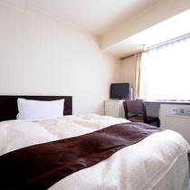 シングルルーム(スタンダード) 広さ14〜16㎡、ベッド幅100〜120cm