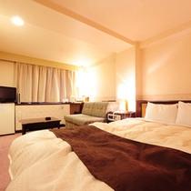 ダブルルーム 広さ22㎡、ベッドサイズ150cm