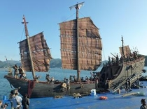 迫力の海賊船を使った海上ロケ