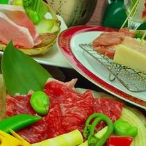 広島黒毛和牛A5ランクの陶板焼き、紅葉豚しゃぶしゃぶ、ハーブ鶏創作串揚げ…ご当地グルメの食べ比べ♪