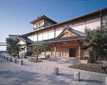 下蒲刈の『蘭島閣美術館』  松濤園のすぐ近く。 ホテルから約30分