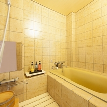 ■貴賓室/内風呂には温泉が引いてあるので、お気軽にお過ごしいただけます。
