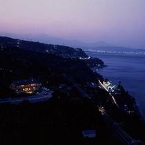 *■夕景 ☆★夜の海★☆も幻想的で美しい景色です。