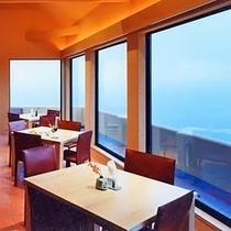 *■夕方 レストラン 窓側