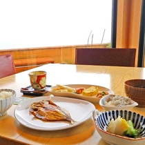 *■朝食 レストランから眺望も