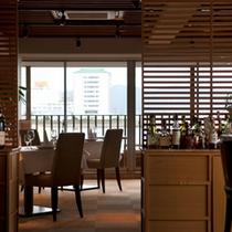 [朝食:レストランマーレ]海を見ながら素敵な朝をお過ごしください。