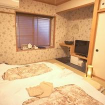 6畳小さな和室(お布団は敷いてありません)