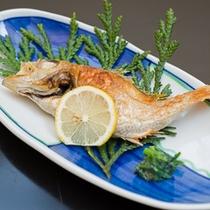 *お夕食一例/上質な脂がたっぷりのった日本海の高級魚。シンプルに塩焼きで。