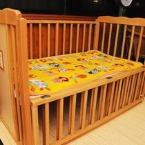 脱衣場には男女とも、小さなお子様のためにベビーベッドを設置