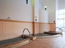 【大浴場】効能の違う各種のお風呂も