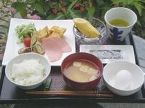 朝食700円