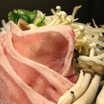 ■夕食一例(豚の陶板)