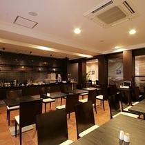 """1階にあるレストラン""""VISTA CAFE"""""""