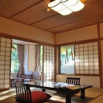 【露天風呂付き客室】  *当館のコンセプトである「和のリゾート」を体現したひとつの形