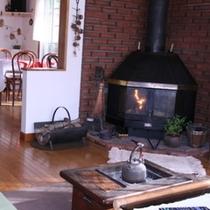 冬の暖炉3
