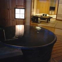 部屋:露天風呂付き客室【葵】広々とした20.5畳の和室
