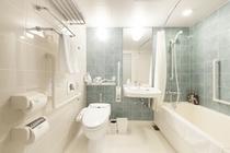 ユニバーサルツインルーム浴室