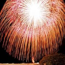 川北まつり 北陸最大級の花火 写真提供 川北町役場