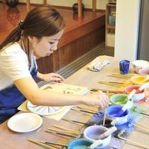 【絵付け】お好みの素材に模様をつけて。色の種類も豊富!
