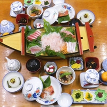 *夕食一例/伊豆ならではの海の幸がてんこ盛り♪お刺身の他、旬の魚料理がたっぷりお楽しみ頂けます。