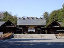 北海道神宮(車で約20分)