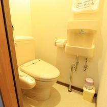 *客室のトイレはキレイな水洗トイレ(一例)