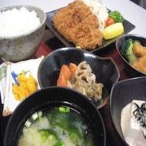 おまかせ日替り夕食付プラン (お料理は一例)