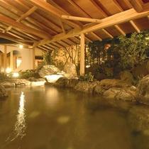 風情ある日本庭園を眺めながらの『月宮殿・露天岩風呂』アネックス館ご宿泊のお客様も無料でご利用可能。