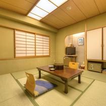 *和室8畳山側(客室一例)/グループやご家族でのご宿泊に!足を伸ばしてのんびりとお寛ぎ下さい。