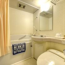 *ツイン(客室一例)/ユニットバスを完備いたしております。源泉の温泉を引いています!