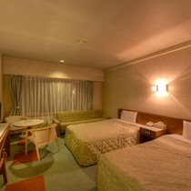 *ツイン(客室一例)/清潔にしつらえられたベッドルームで安眠の夜をお過ごし下さい。