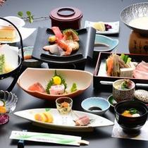 <夕食一例>四季折々の旬の食材を素材にした会席料理