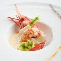 【魚料理一例】日本海に近い立地ならでは。コースでは魚料理を2種類アレンジ