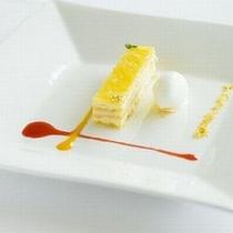 【デザート一例】パティシエ経験を持つシェフの絶品デザートを味わい下さい